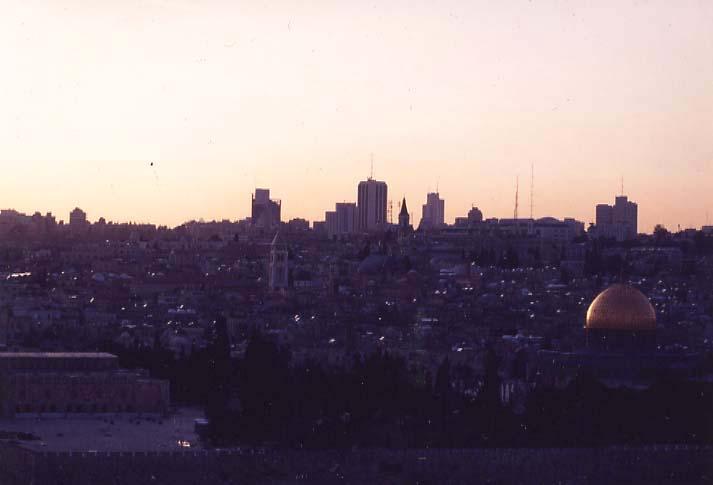 オリーブ山から見たエルサレム夕景